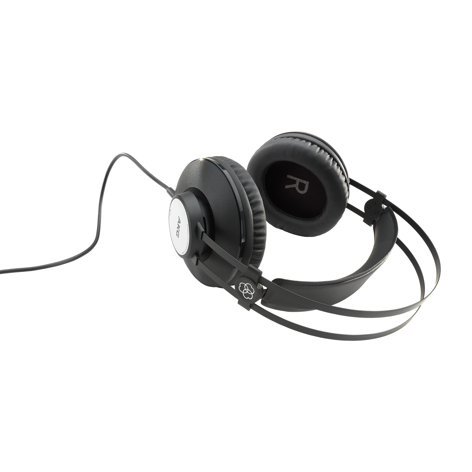 K72 - Black - Closed-back studio headphones - Detailshot 2